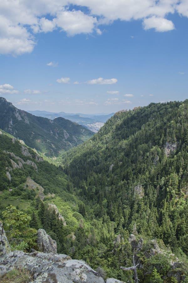 Le canyon des cascades a beaucoup d'intérêt près de Cologne sur le chemin à Mogla Approximativement 46 cascades peuvent être vues photo stock