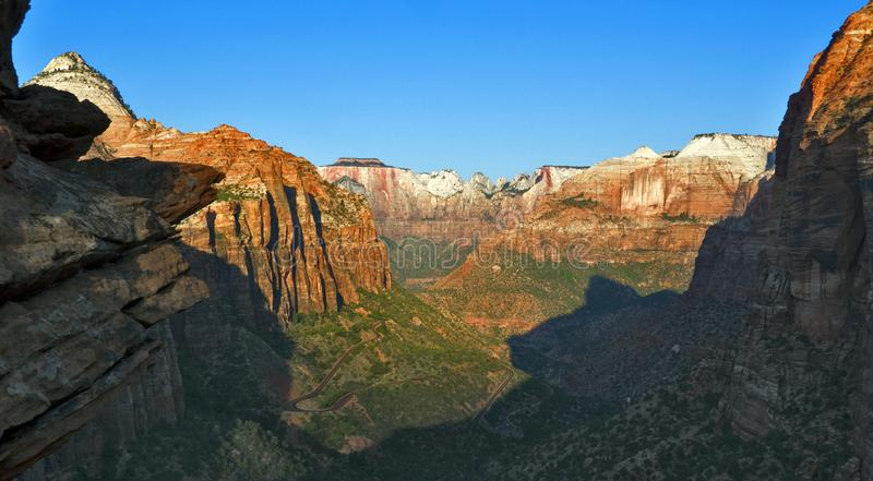 Le canyon donnent sur chez Zion National Park photos stock