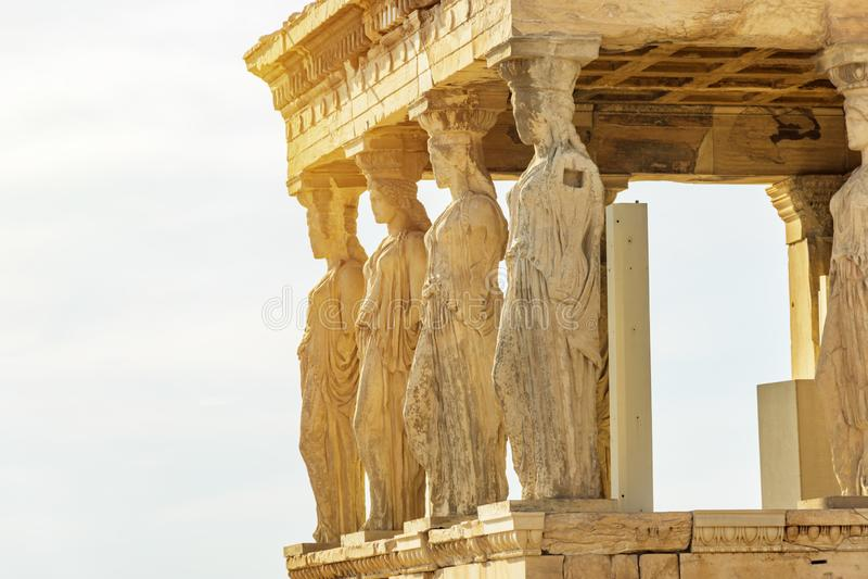 Le cariatidi del Erechtheion in acropoli, Atene Grecia fotografie stock