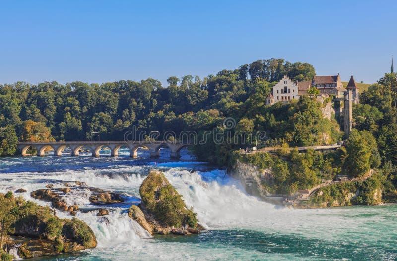Le cascate del Reno e castello Laufen immagine stock libera da diritti