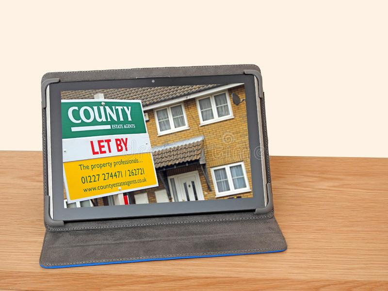 Le case della proprietà cercano il bordo adveritsing di Internet online fotografie stock libere da diritti