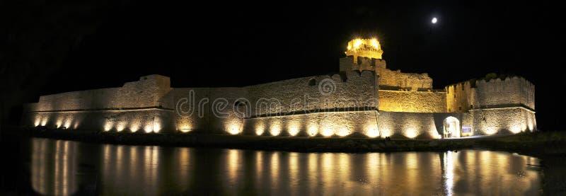 LE Castella, italiensk befästning Calabria royaltyfri foto