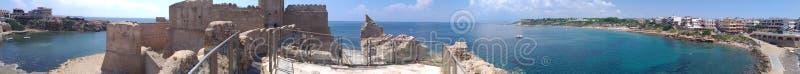 Le Castella - panorâmico fotos de stock royalty free