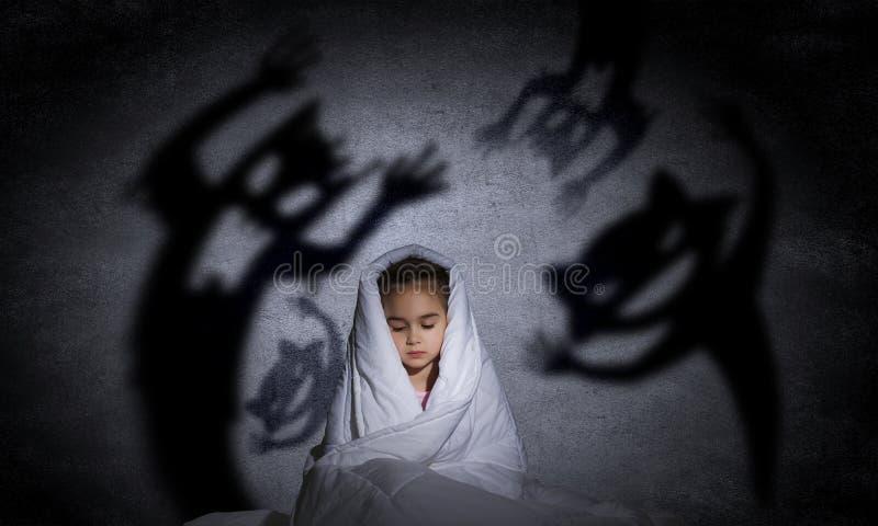 Le cauchemar de l'enfant image stock