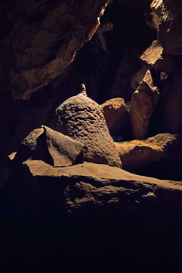 Le caverne della dolomia di Bozkov sono il sistema della caverna più lungo in repubblica Ceca che è creata in dolomia immagini stock