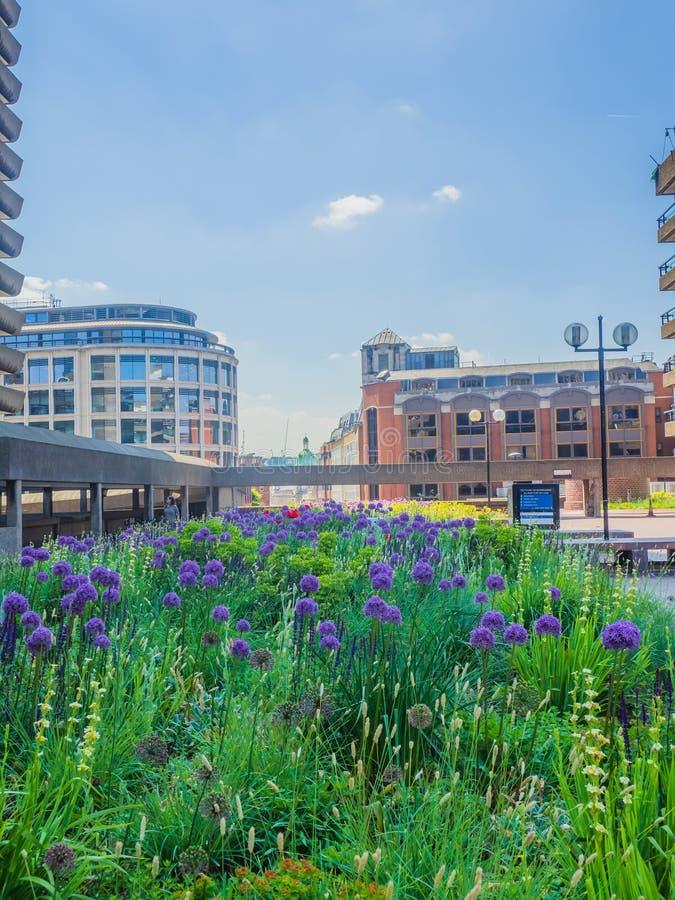 Le centre de barbacane ? Londres est l'un des exemples les plus populaires et les plus c?l?bres de l'architecture de Brutalist da images libres de droits