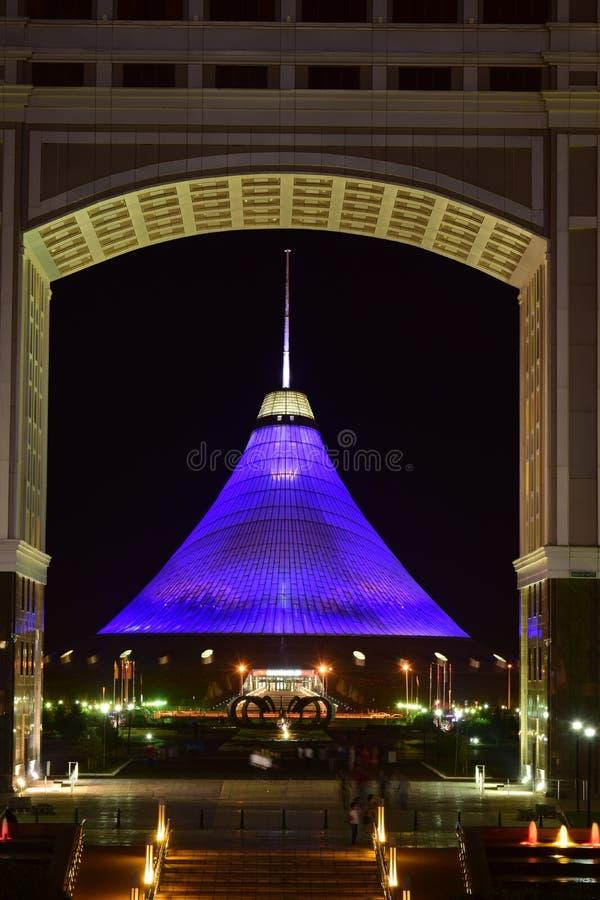 Le centre de divertissement de KHAN SHATYR à Astana/Kazakhstan image stock