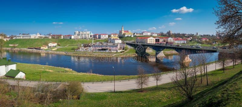 Le centre ville de la rivière de Grodno et de Neman Ville de Grodno, Belarus photos libres de droits