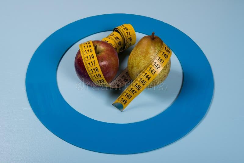 Le cercle bleu avec de l'équipement de diabète font le traitement la maladie images libres de droits