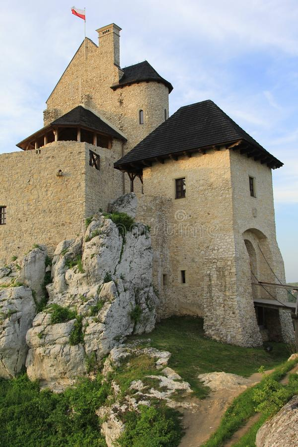 Le château de Bobolice ruine la Pologne.