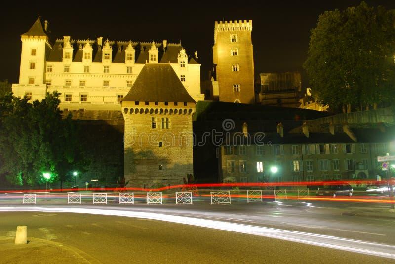 Le château DE Pau DE nuit stock afbeeldingen
