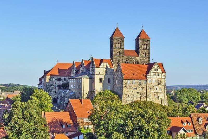 Le château et l'église, Quedlinbourg, Allemagne photographie stock libre de droits