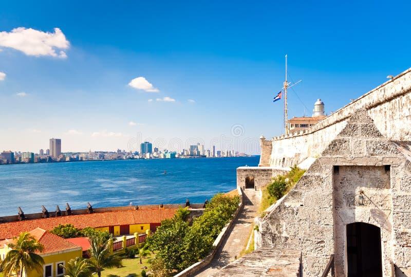 Le château et le phare de l'EL Morro à La Havane images libres de droits