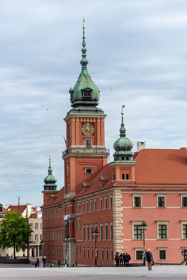Le ch?teau royal dans le vieux regard fixe Miasto de la ville de Varsovie est le centre historique de Varsovie photo libre de droits