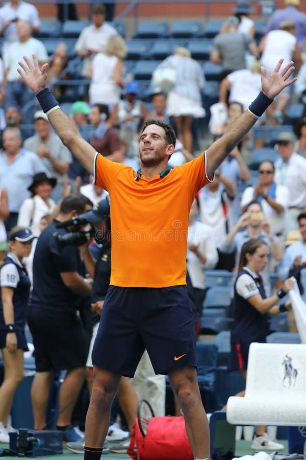 Le champion Juan Martin Del Potro de Grand Chelem de l'Argentine célèbre la victoire après son match 2018 de quart de finale d'US photographie stock
