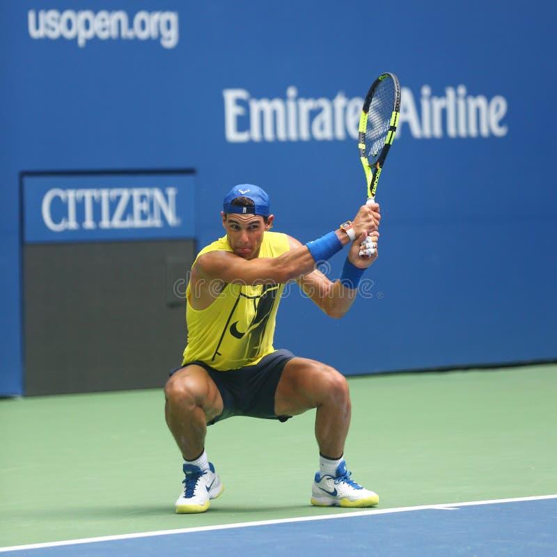 Le champion Rafael Nadal de Grand Chelem de quinze fois de l'Espagne pratique pour l'US Open 2017 photos stock