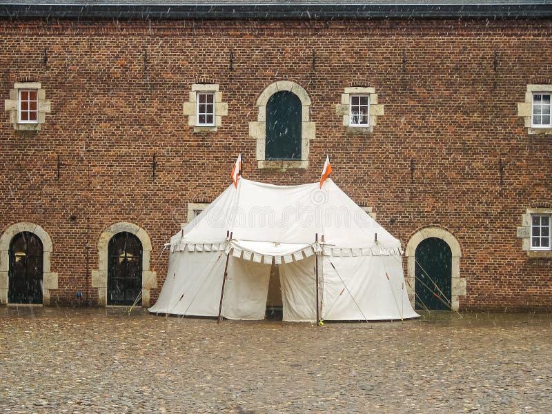 Le chapiteau du chevalier dans Kasteel Hoensbroek photo libre de droits