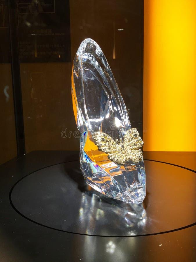 Le chausson en verre de Cendrillon photos stock
