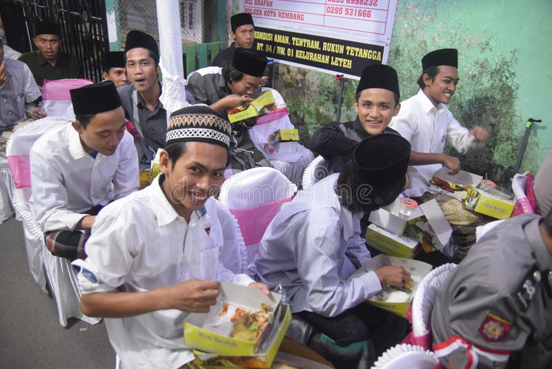 Le chef de la police Tito Karnavian a visité le Pondok Pesantren Raudlatut Thalibin Rembang image stock