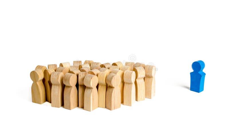 Le chef réclame un grand groupe de personnes à l'action et à la coopération Concept d'affaires de chef et de qualités de directio image stock