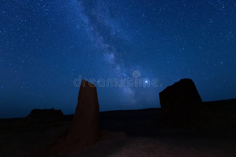 Le chemin laiteux du dessert Gobi la nuit en Mongolie photos libres de droits