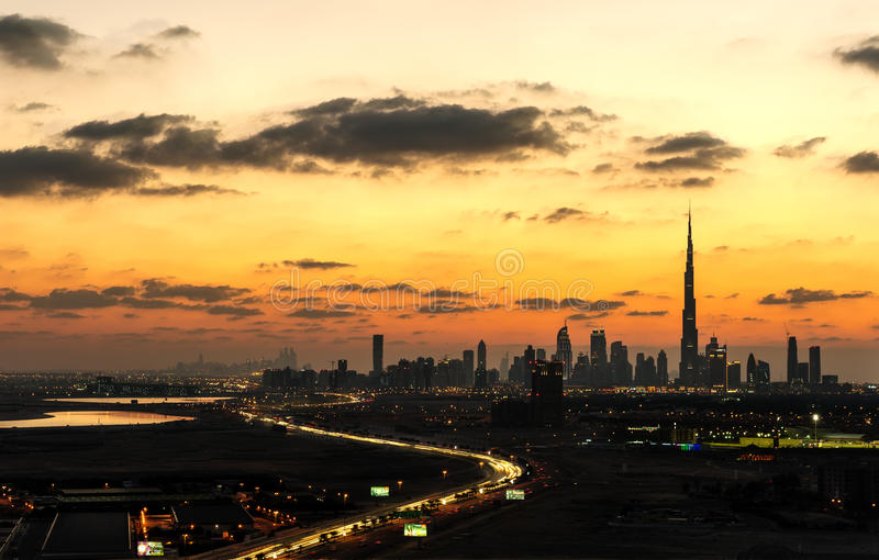Le chemin vers Dubaï images libres de droits