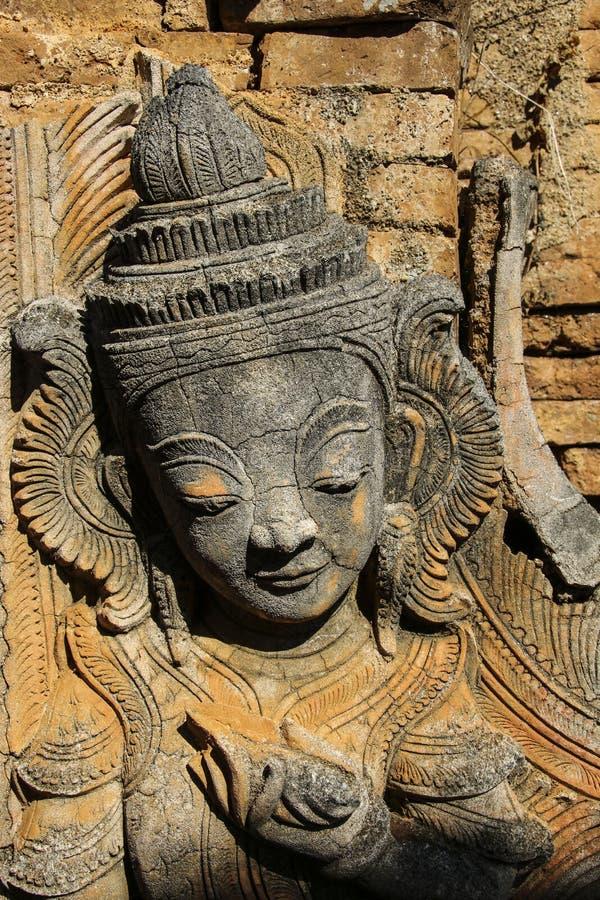 Le chiffre de la pierre dans l'auberge Dain Pagoda, Indei de Shwe de ruines photo libre de droits