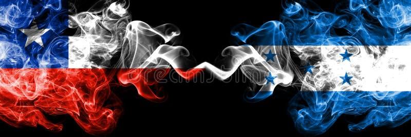 Le Chili contre le Honduras, drapeaux mystiques fumeux honduriens placés côte à côte Épais coloré soyeux fume la combinaison du H illustration de vecteur