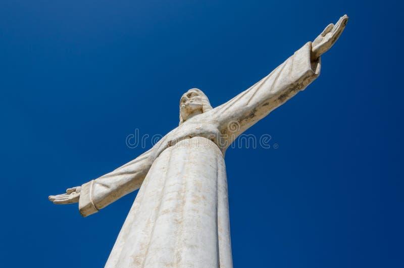 Le Christ la statue de rédempteur ou de Christo Redentor dans Lubango, Angola images stock