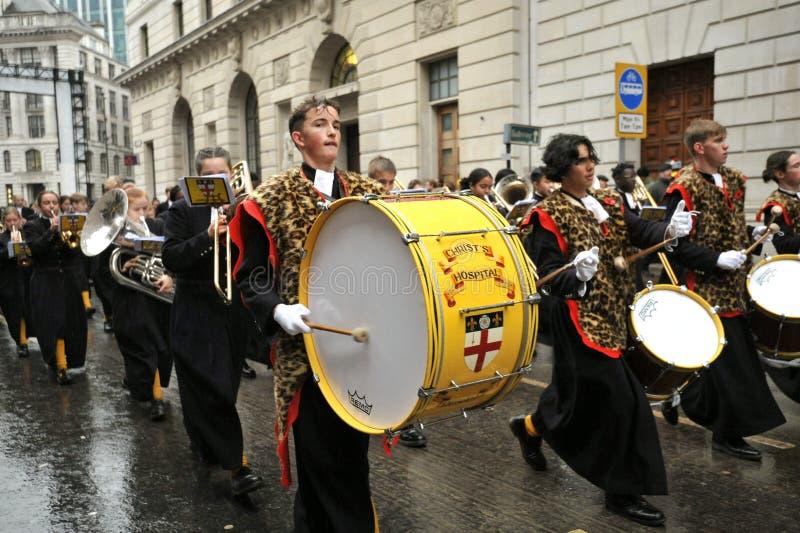 Le Christ's Hospital School Band est un groupe de marcheurs de premier plan au Royaume-Uni image stock