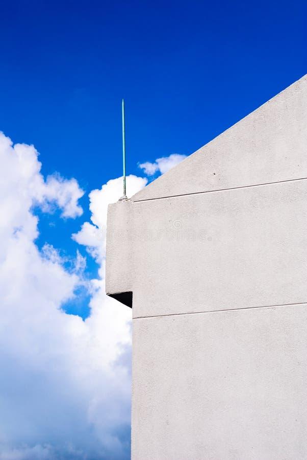 Le ciel bleu images stock
