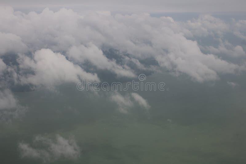 Le ciel bleu opacifie, ciel bleu avec des nuages photographie stock libre de droits