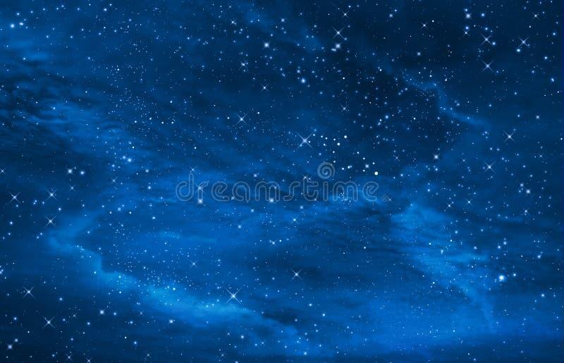 le ciel nocturne étoilé espacent le fond photos libres de droits