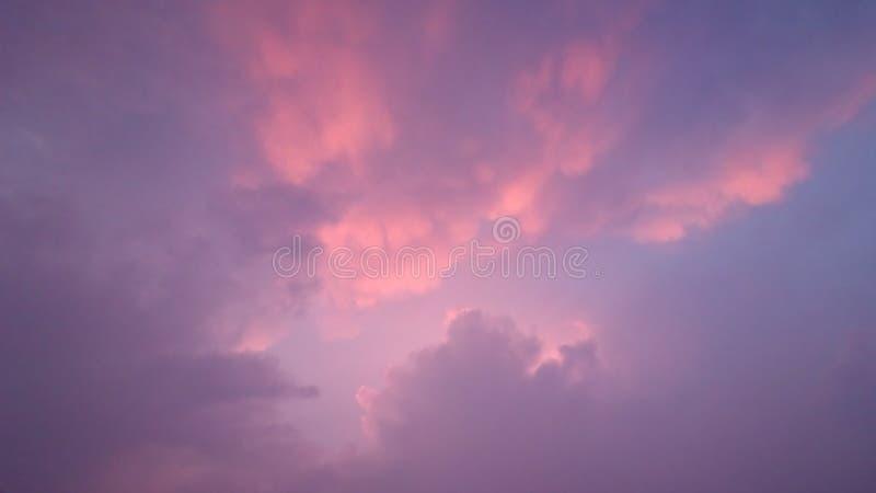 Le ciel pluvieux images stock