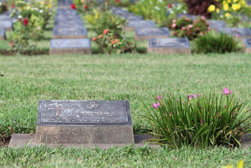 Le CIMETIÈRE de GUERRE de KANCHANABURI est un emplacement de tourisme photo libre de droits