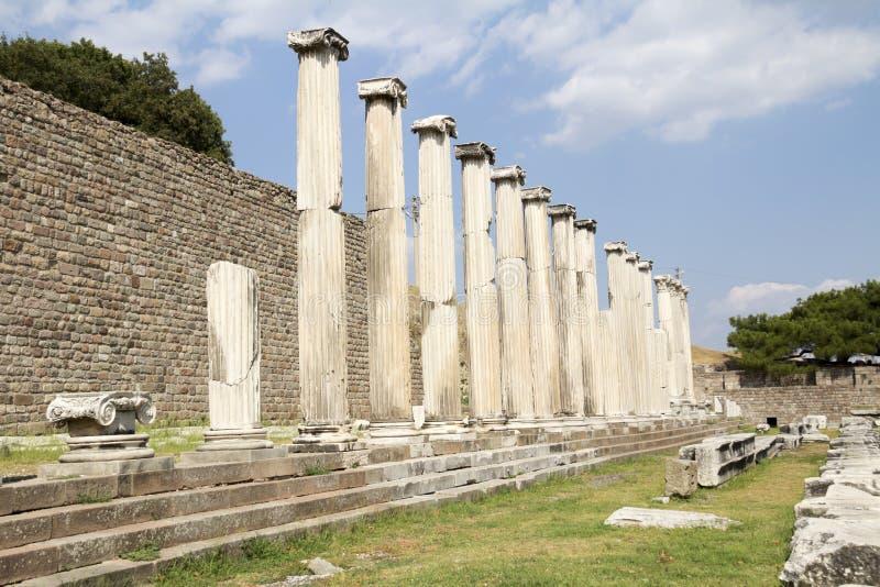 Le colonne del Asklepion di Pergamum, Bergama immagine stock libera da diritti