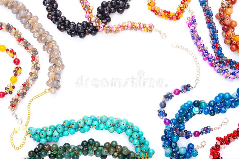 Le coloré des bracelets en pierre de Chakra images stock