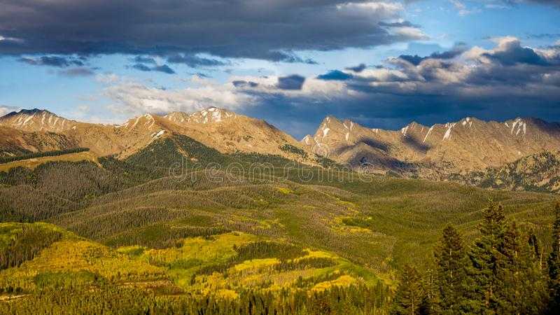 Le Colorado Rocky Mountains Gore Range Vail Ski Country Etats-Unis photographie stock