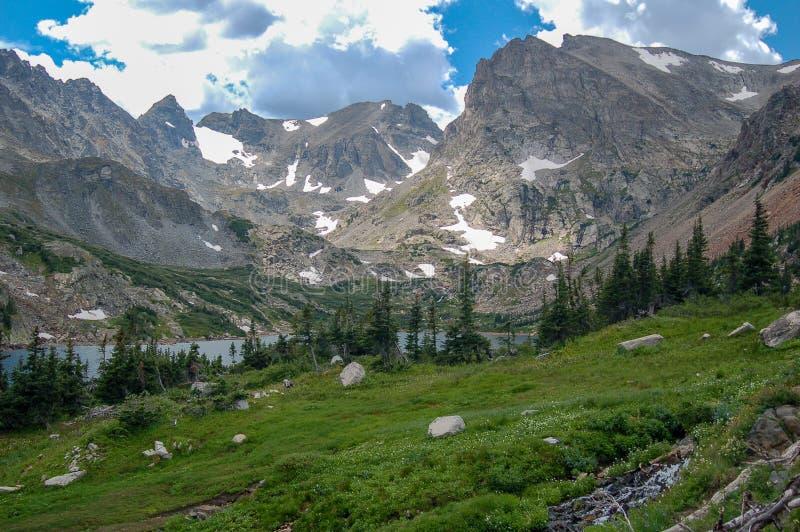 Le Colorado Rocky Mountains Indian Peaks Wilderness en été image libre de droits