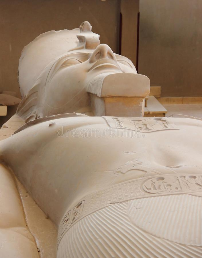 Le colosse de Ramses II à Memphis, Egypte. images stock