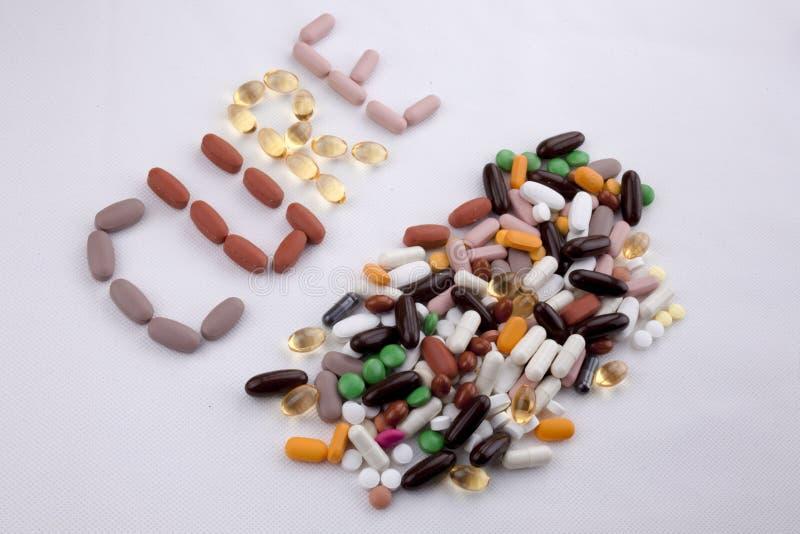 Le concept conceptuel de santé de soins médicaux d'inspiration de légende des textes d'écriture de main écrit avec des pilules do photographie stock