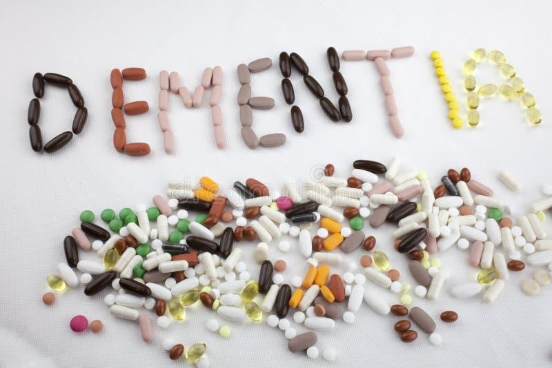 Le concept conceptuel de santé de soins médicaux d'inspiration de légende des textes d'écriture de main écrit avec des pilules do images libres de droits