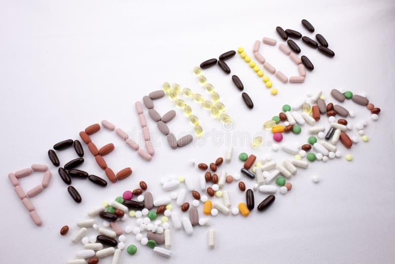 Le concept conceptuel de santé de soins médicaux d'inspiration de légende des textes d'écriture de main écrit avec des pilules do photos libres de droits