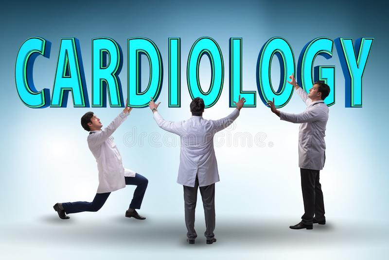 Le concept de telehealth avec des médecins de cardiologie photo stock