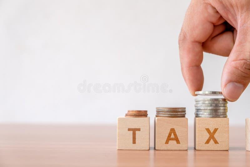 Le concept des impôts d'impôts et de gestion financière assaisonnent dans les affaires images libres de droits