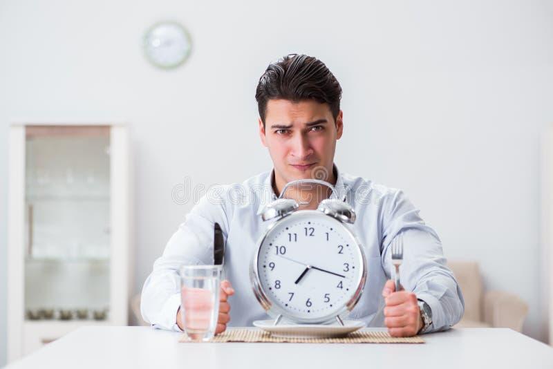Le concept du service lent dans les restaurants photo stock