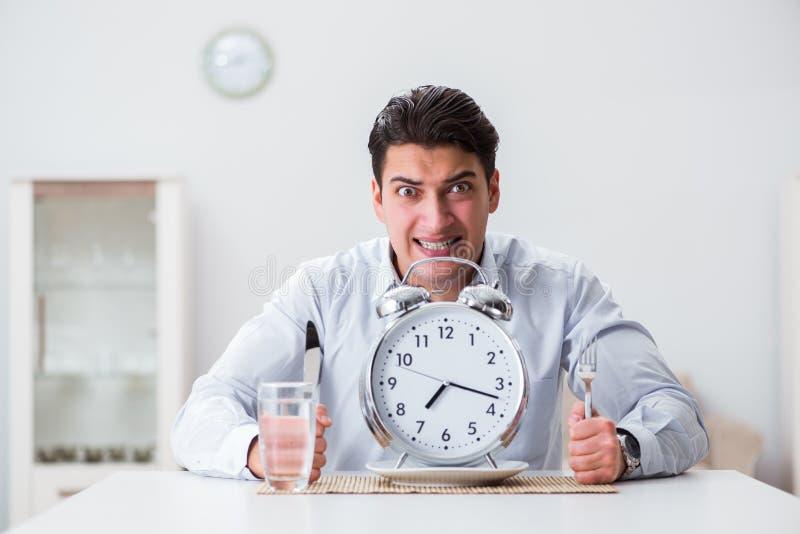 Le concept du service lent dans les restaurants images stock