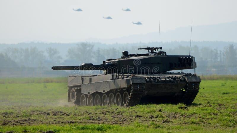 Download Le conflit armé image stock. Image du europe, manoeuvres - 45354647