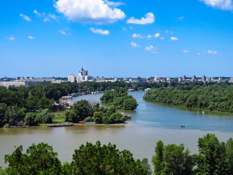 Le confluent des rivières photographie stock