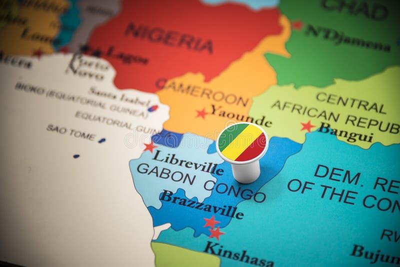 Le Congo a identifié par un drapeau sur la carte image libre de droits